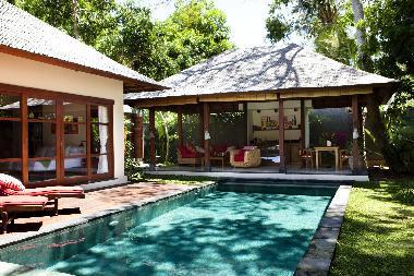 Casa de vacaciones jimbaran lujosas villas tropicales for Vacaciones en villas con piscina