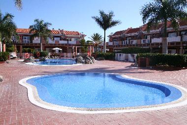 Fotos apartamento de vacaciones arona espa a apartamento for Piscinas publicas en el sur de tenerife