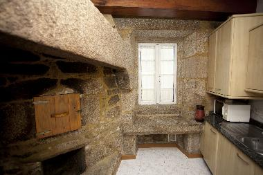 Interiores de casas rusticas gallegas - Cocinas con horno de lena ...